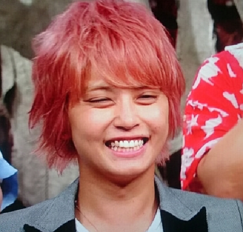 手越祐也の歴代ピンク髪を画像比較まとめ!ファンの評判や評価は